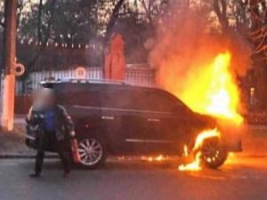 Пожарный принимал заказы на поджог автомобилей