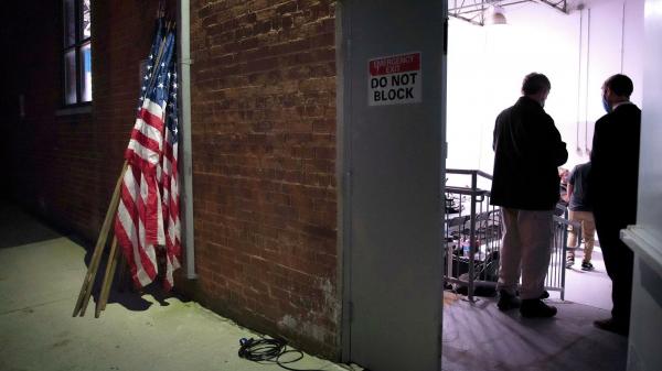 В штабе Трампа не исключили иски из-за подсчета голосов еще в двух штатах