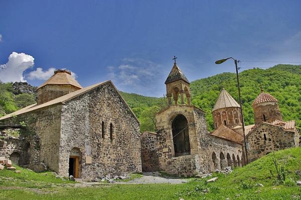 Российские деятели культуры просят ЮНЕСКО защитить памятники в Нагорном Карабахе