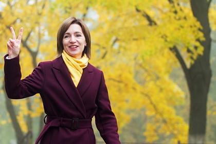 Экзитполы выборов президента Молдавии отдают предпочтение Санду