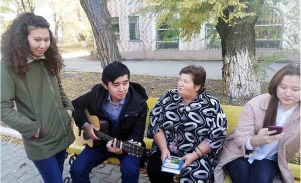 125-летие Есенина в Казахстане отметили марафоном стихов
