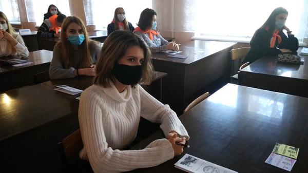 В Горловке провели конкурс для школьников «Виват, славистика!»
