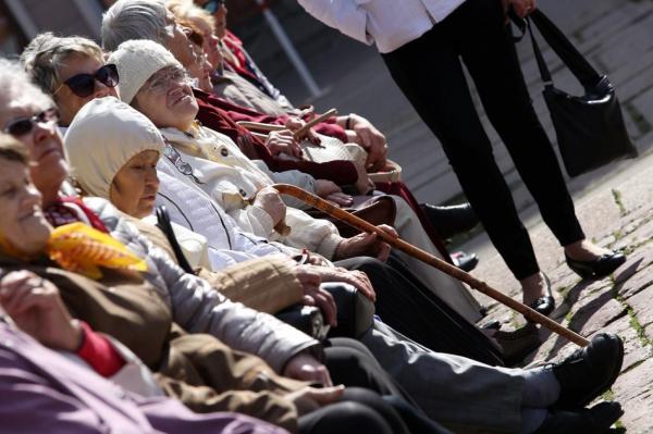 В 65 лет старение только начинается: пенсионеров Латвии хотят вернуть на работу