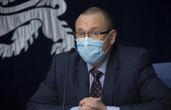 Попов рассказал, когда в ЭР доставят вакцину от коронавируса