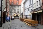 В Латвии на поток людей в ресторанах влияет каждое сообщение о коронавирусе