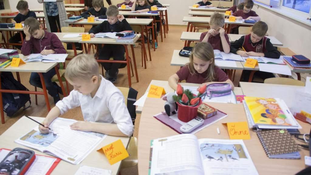 Covid-19: сплошное тестирование учителей выявило 10 зараженных