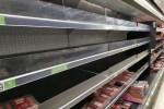 Британцы в панике опустошают полки магазинов из-за грядущего общенационального карантина