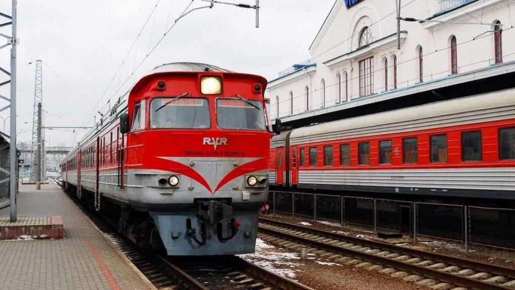 На перронах Вильнюсского вокзала запретили курить