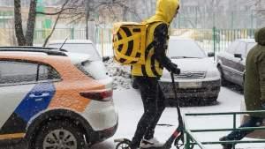 Общественный транспорт теряет популярность: граждане пересаживаются на автомобили и скутеры