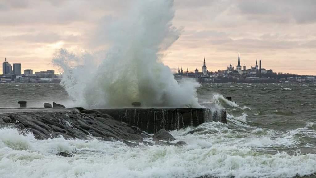Спасатели предупреждают о надвигающемся на Эстонию шторме