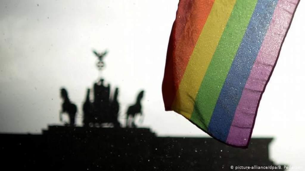 Уволенные из бундесвера гомосексуалы получат денежные компенсации