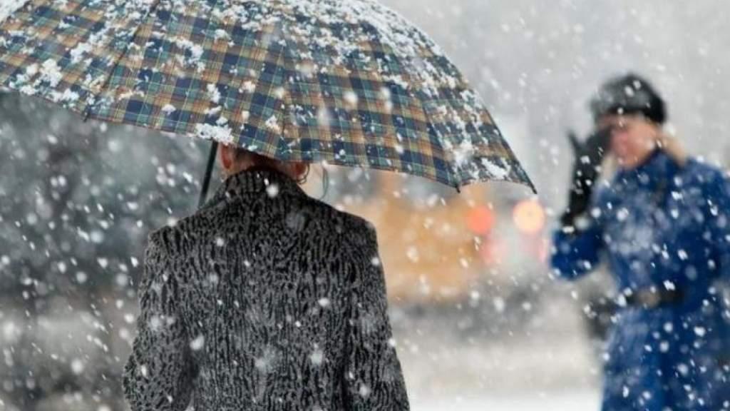 В пятницу в Латвии временами будет идти дождь и снег
