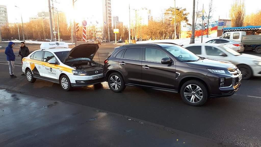 ГИБДД продолжает провоцировать пробки и аварийные ситуации