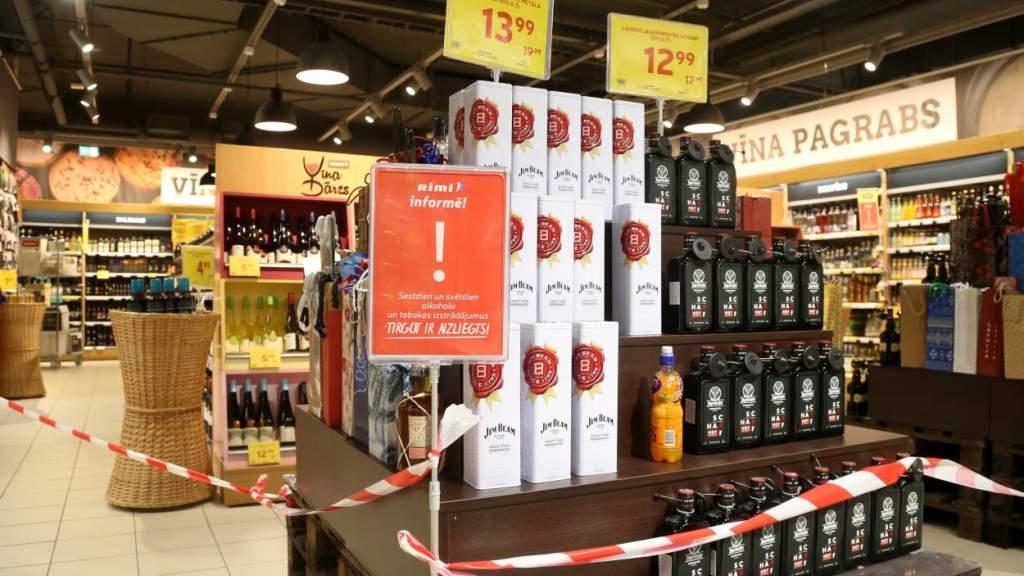 Латвийские министры запретили торговцам торговать. Что из этого вышло?