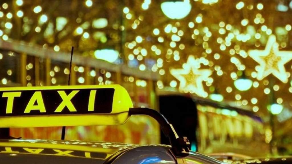 Насколько подорожает такси в новогоднюю ночь