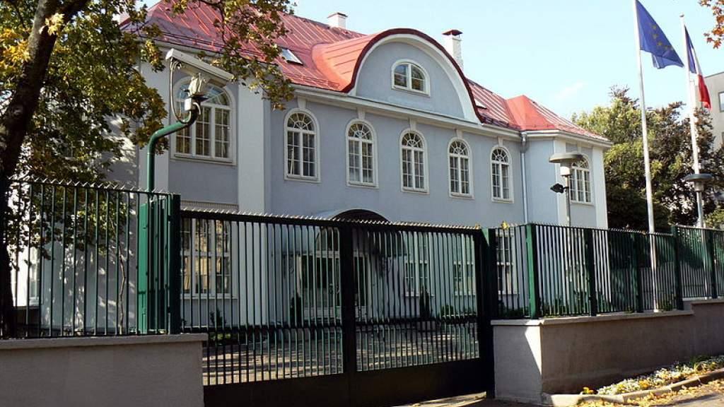 Посольство РФ призвало Эстонию защитить права русскоязычных