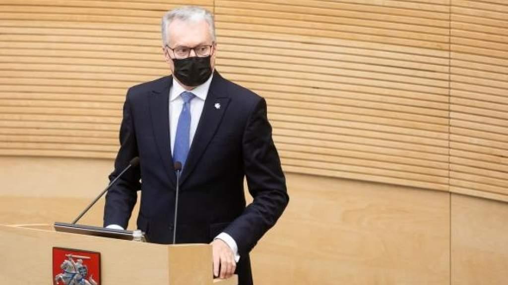 Президент Литвы не исключает введение чрезвычайного положения в стране