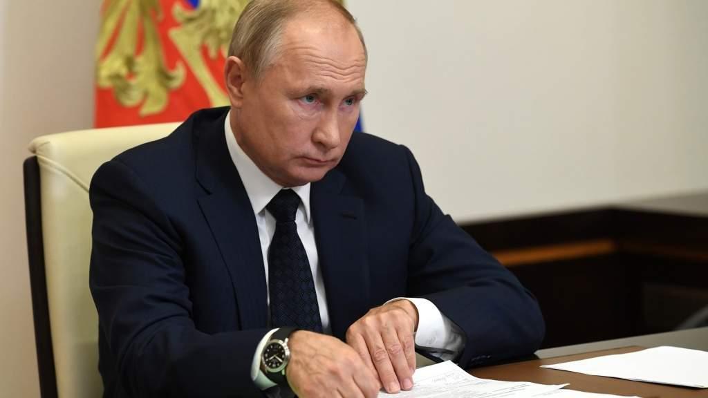Президент призвал жёстче реагировать на ущемление прав российских журналистов за рубежом