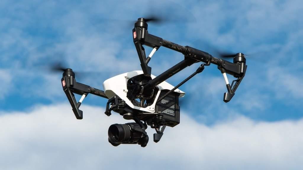 Рой дронов и электричество нового поколения: эксперт рассказал о прорывных разработках российских учёных