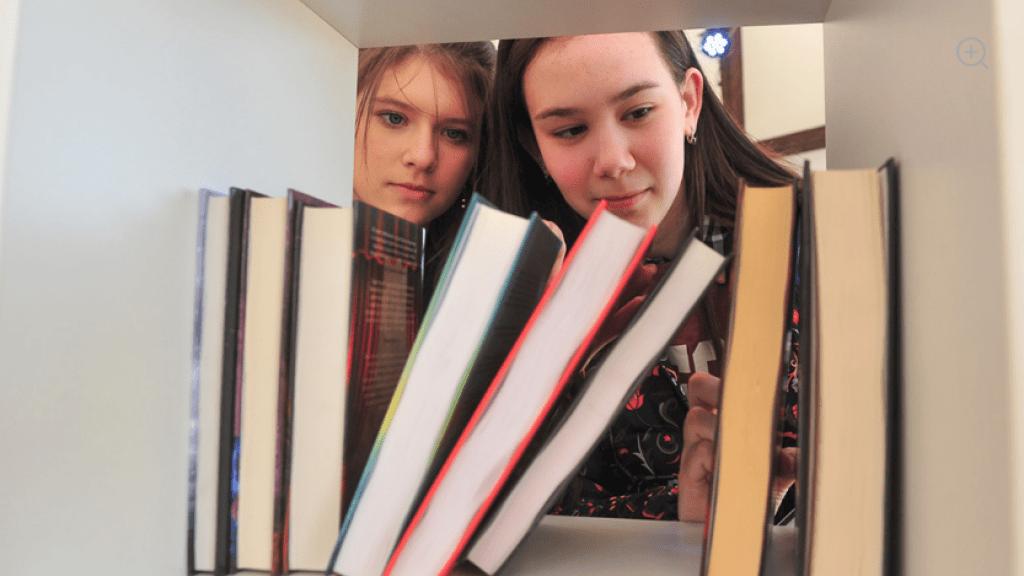 Школа и детский сад в Южной Осетии получили сотни учебников от России