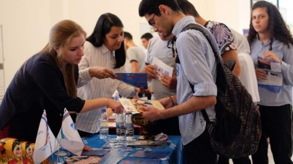 Соотечественники помогли открыть класс для изучения русского языка в Ливане