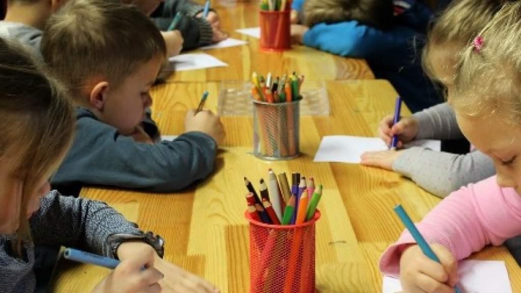 В Эстонии сообщили о нехватке мест в русских учебных заведениях и детских садах