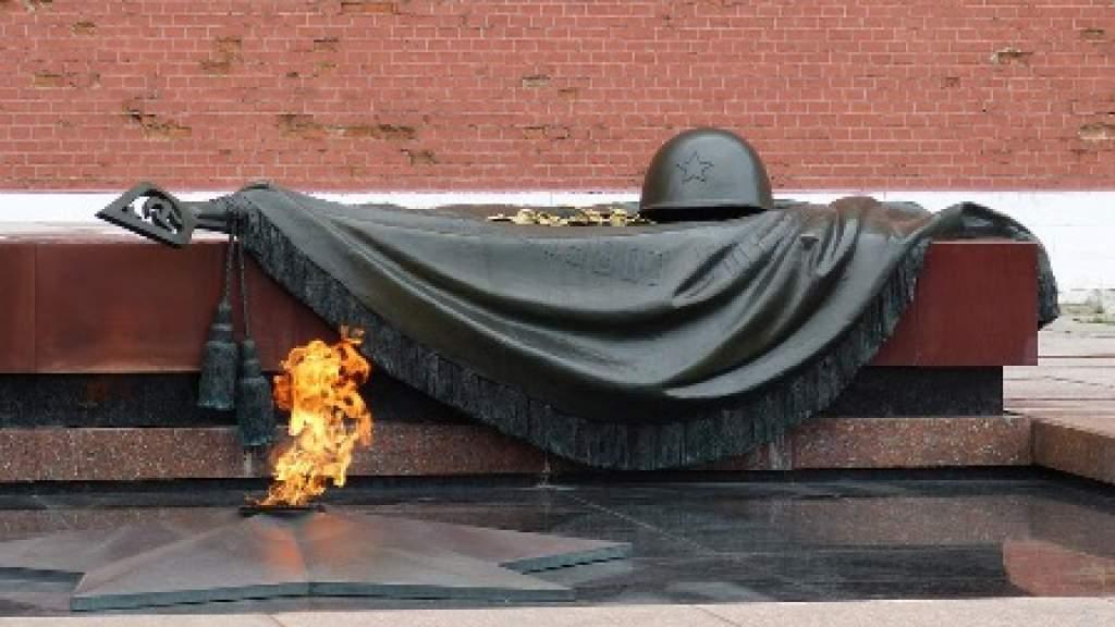В России обсудили результаты работы по увековечению памяти погибших солдат
