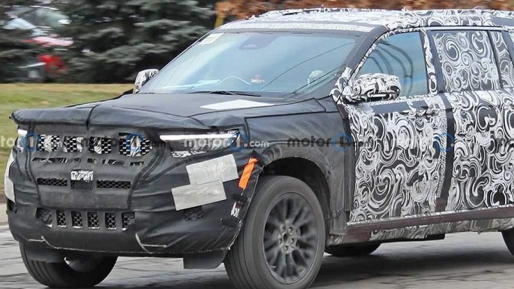 В сеть утекли фото нового Jeep Grand Cherokee