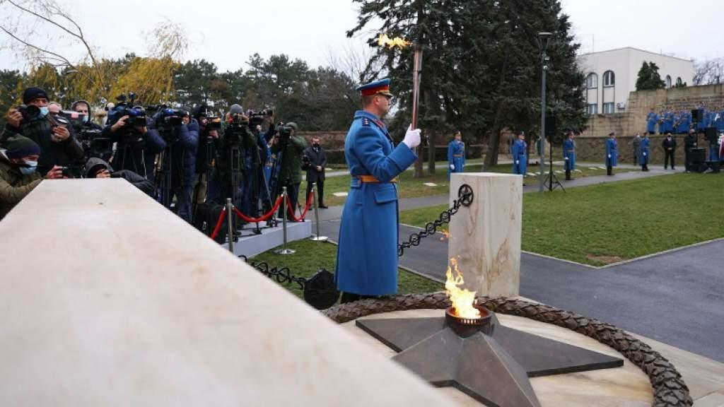 Вандалы осквернили памятник «Освободителям Белграда»