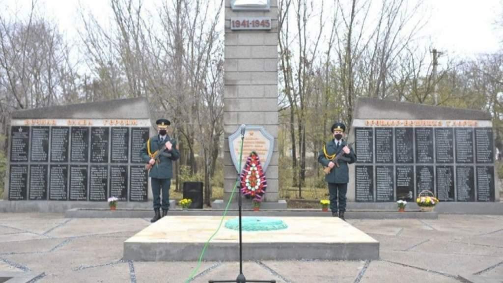 Восстановленный монумент советским воинам открыли в молдавском селе Паланка