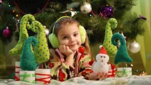 Более ста человек из 12 стран стали участниками проекта о традициях Нового года и Рождества