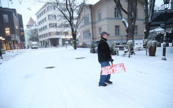 Таллинн: электросамокаты создают большие проблемы при уборке улиц от снега