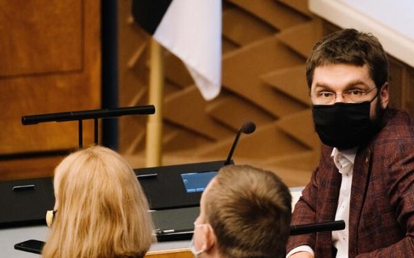 Центристы поддержат законопроект о референдуме на тему брака, в рядах Isamaa – разногласия