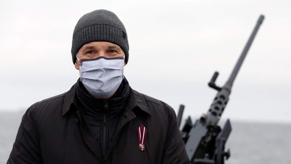 Отступать некуда - позади пандемия: Пабрикс поднимает армию на борьбу с ковидом