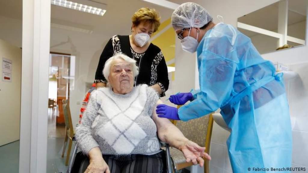 Почему буксует вакцинация в Германии?