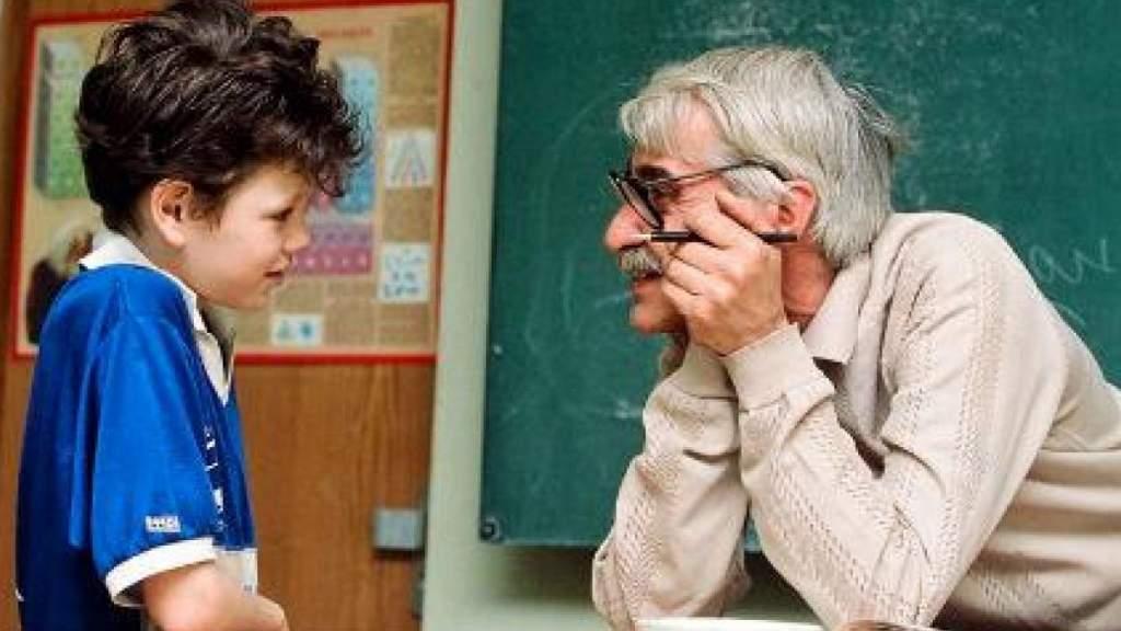 Поддержка уволенных пожилых педагогов не сработала - слишком жесткие условия