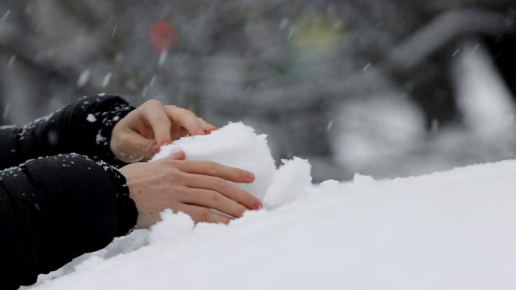 В четверг во многих районах Латвии пройдет снег