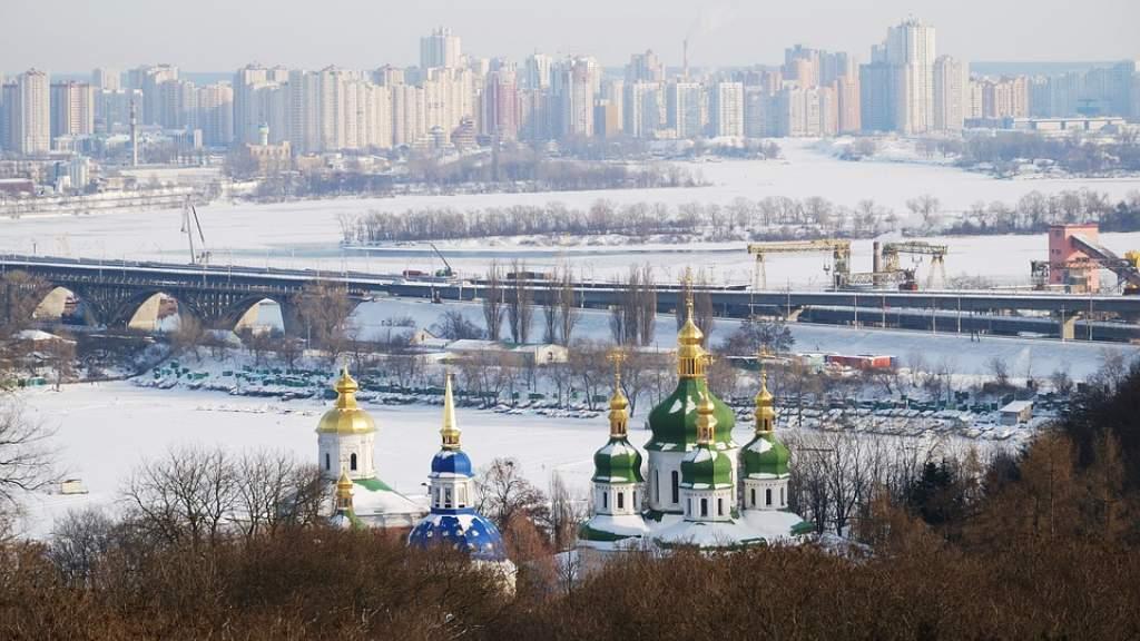 Жительницу Львова затравили за поздравление россиян с Новым годом