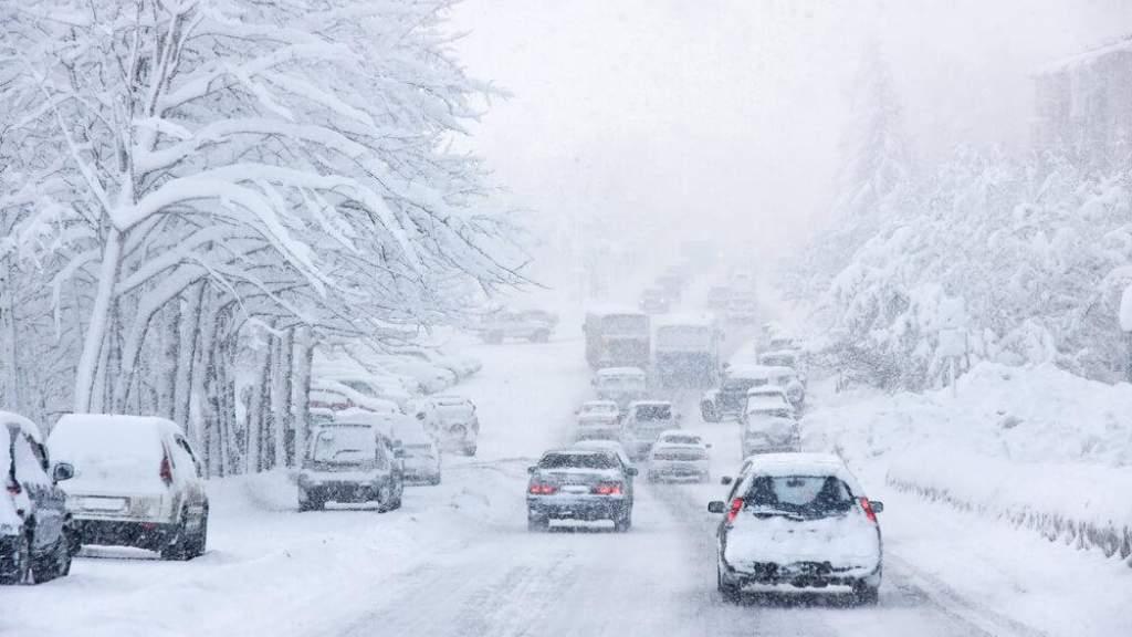 Американцы массово начали верить в теорию заговора об искусственном снеге в США