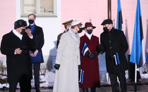 На Тоомпеа 24 февраля торжественно подняли государственный флаг