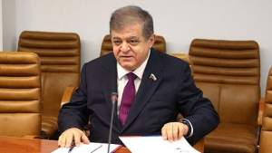 Сенатор: Права российских соотечественников за рубежом ущемляются сплошь и рядом