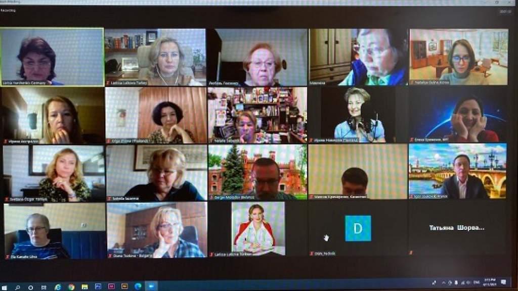 Экспертные советы созданы при группах ВКС по русскому языку и по делам молодежи