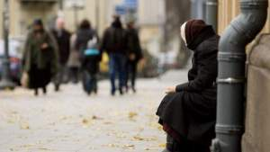 Каждый 13-й житель Литвы в прошлом году испытал большую нехватку средств
