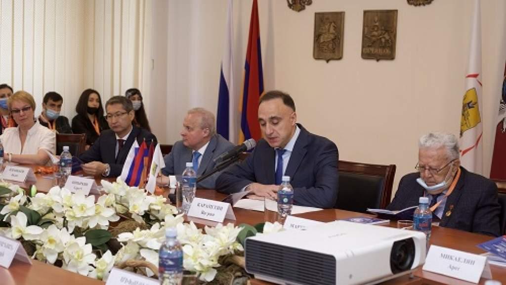 По инициативе Дома Москвы в  Ереване прошла междунарожная конференция, посвященная 60-летию полета Гагарина