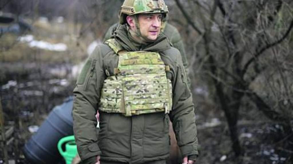 Зеленский едет в Донбасс на передовую. Украинский президент доложит об увиденном Меркель и Макрону