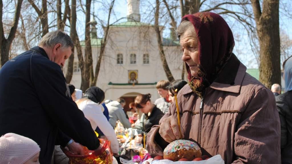 Православные верующие отмечают Светлое Христово Воскресение
