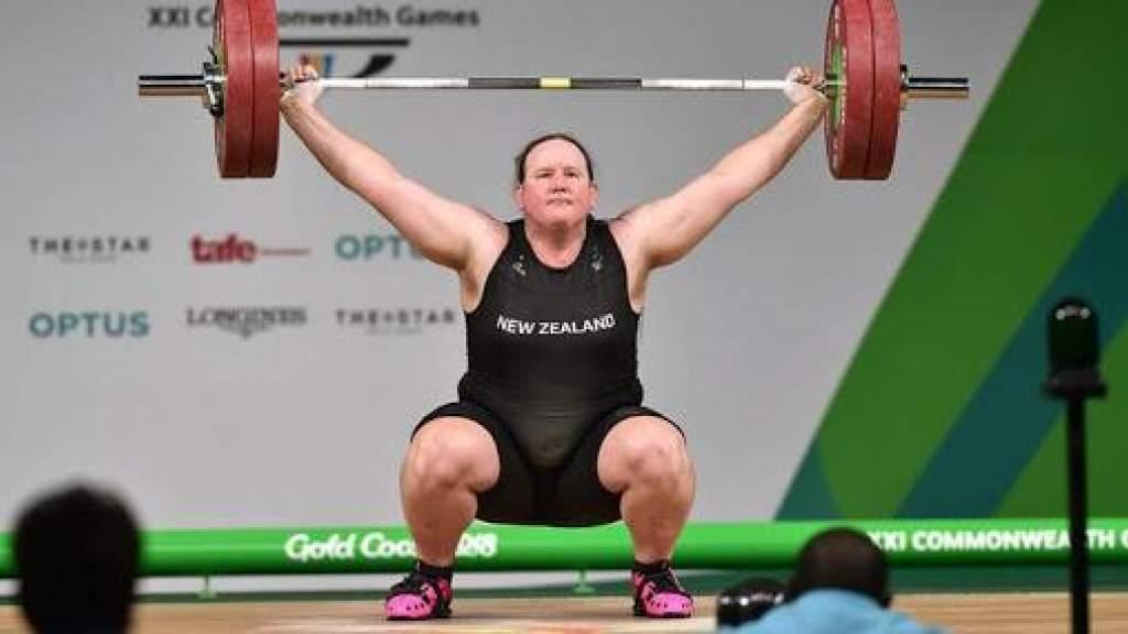 Тяжелоатлетка Лаурель Хаббард из Новой Зеландии станет первым трансгендером на Олимпиаде