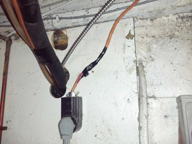 Home Inspectors love handyman wiring.