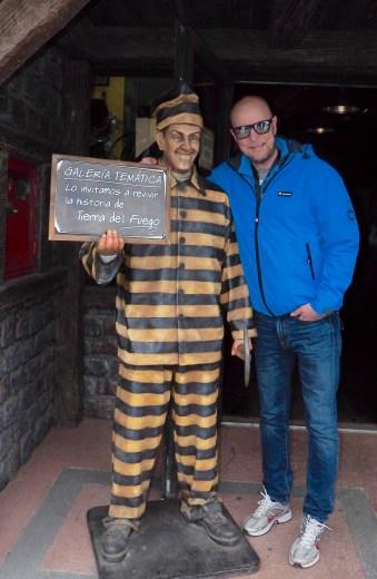 Ushuaia, - en tidligere fengselsby. Svenske Niklas hadde sansen for alle pubene...
