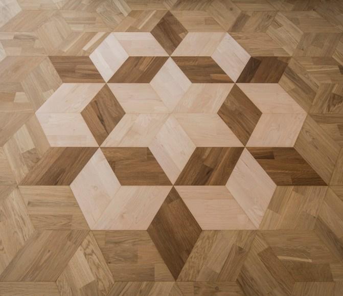 Het unieke patroon in de kubus vloer
